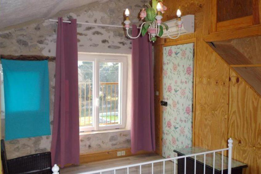 Chambre Colline vue sur les amandiers - Les Jardins de Prasserat à Vallon Pont d