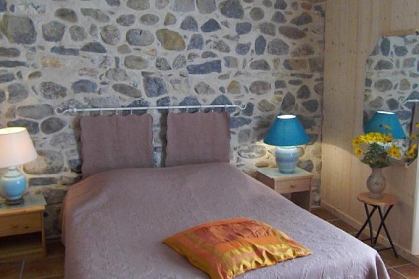 Chambre Jardin lit double - Les Jardins de Prasserat à Vallon Pont d