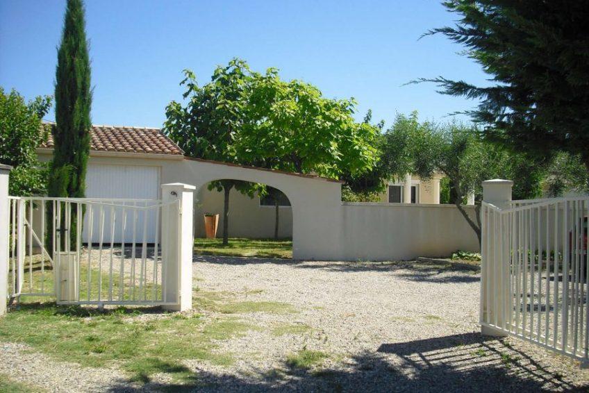 entrée principale maison du coucouru - villa piscine à louer pour les vacances à Vallon Pont d