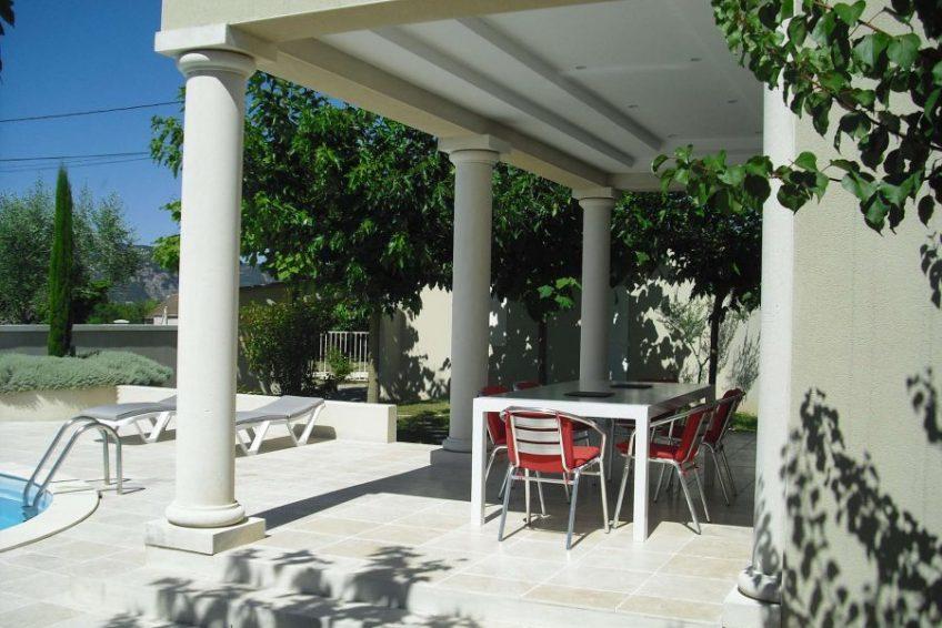 terrasse maison du coucouru - villa piscine à louer pour les vacances à Vallon Pont d