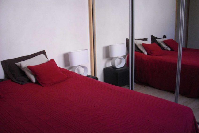 chambre double 1 maison du coucouru - villa piscine à louer pour les vacances à Vallon Pont d