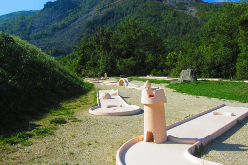 aven grotte forestiere mini-golf Ardèche