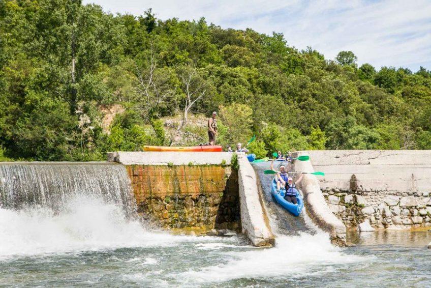 glissière canoe - Location de canoe kayak Loulou bateau à Vallon Pont d
