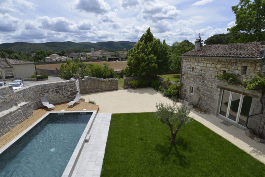 Mas Elise D. location de vacances dans une villa de charme avec piscine en Sud Ardèche