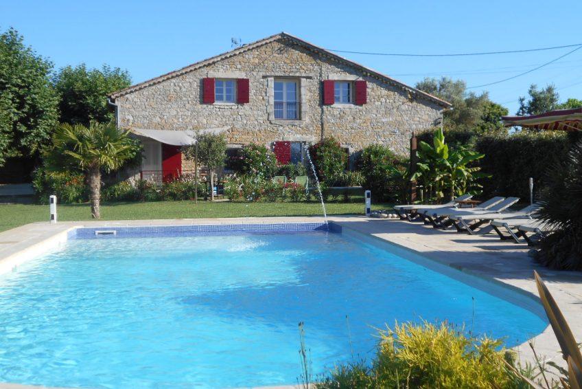 Gîte piscine Barjac - le Moulin de Courlas Ardèche Provence Barjac Uzes 3 a 15 personnes