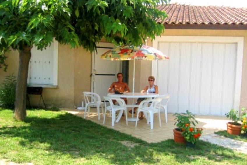 Ardèche Gites Evasion - Résidence de gîtes piscine à Salavas