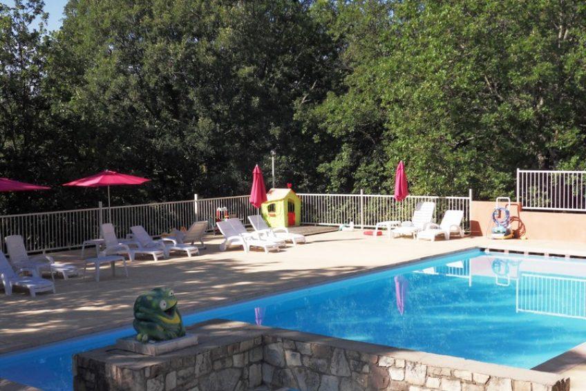 Villa vacances Ardèche piscine chauffée - Résidence de gites la Grenouillère à Joyeuse