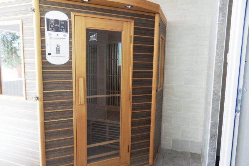 Villa vacances Ardèche piscine sauna spa- Résidence de gites la Grenouillère à Joyeuse