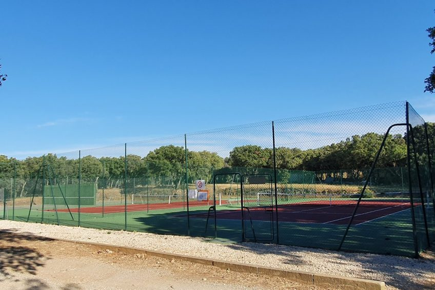 ardeche_camping_orgnac_mobil_home_le_grillon_tennis